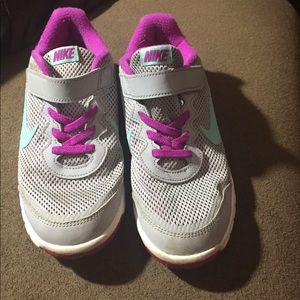 Running Nike's size 2.5 youth